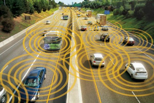El modelo C-V2X de Ford promete incorporar conexión inalámbrica en todos los coches entre sí a partir de 2022