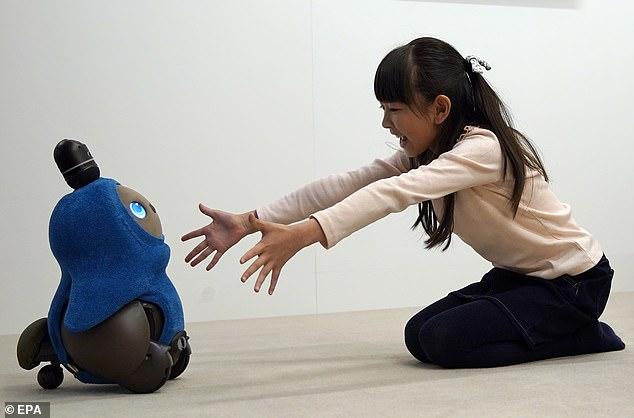Lovot es el robot japonés que pide atención a las personas